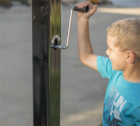 Child adjusting hoop with hand crank